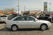 2002 Toyota Avalon XL Sand Sedan Used Car Sale at Motor City Auto Sales of Waukegan
