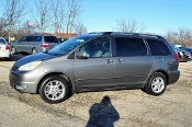 2005 Toyota Sienna XLE AWD Gray Mini Van Sale at Motor City Auto Sales of Waukegan