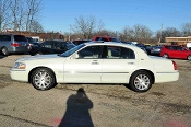 2006 Lincoln Town Car White Sedan Sale at Motor City Auto Sales