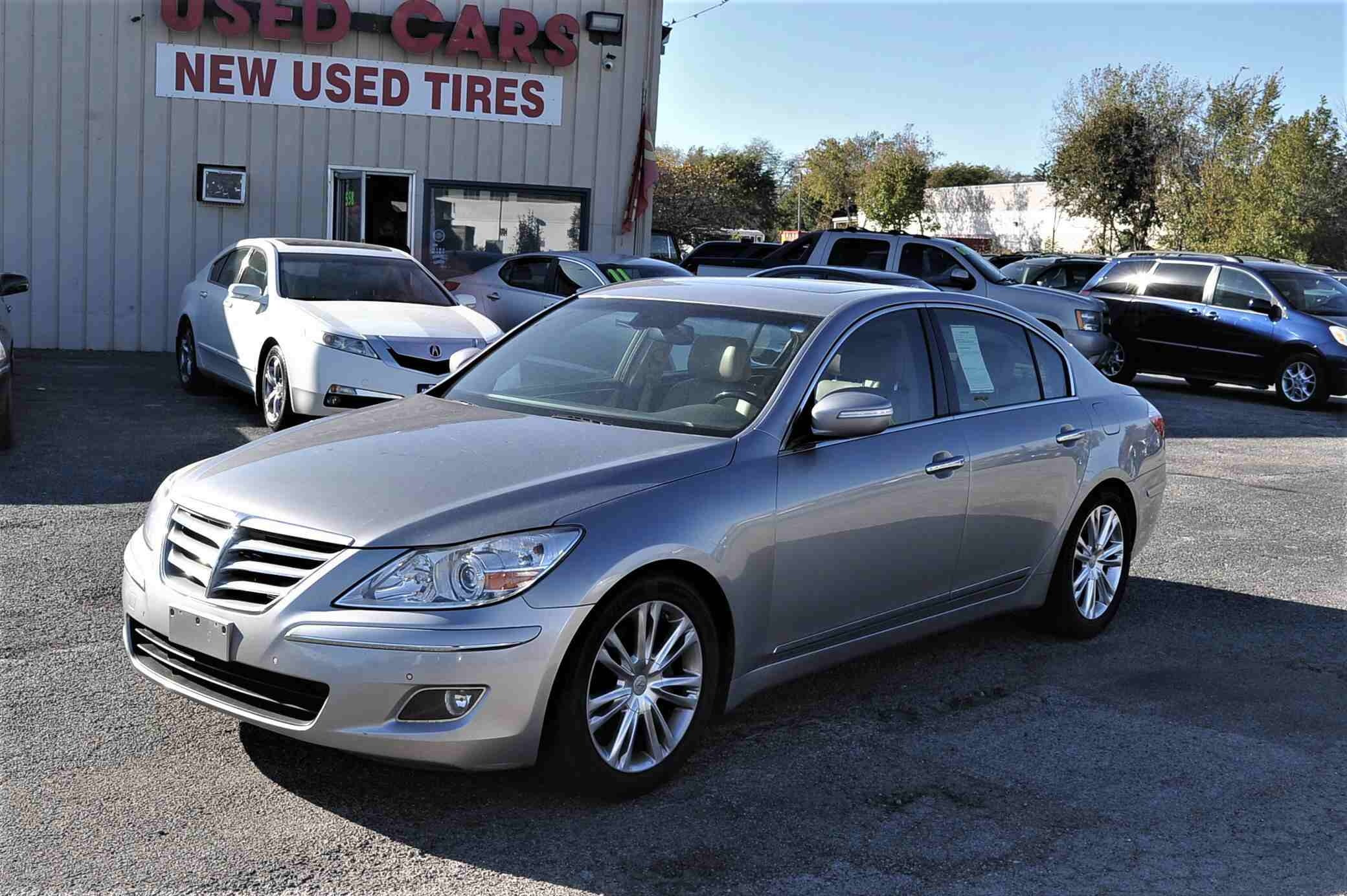 2009 Hyundai Genesis Silver Sedan Used Car Sale Antioch Zion Waukegan Lake County Illinois