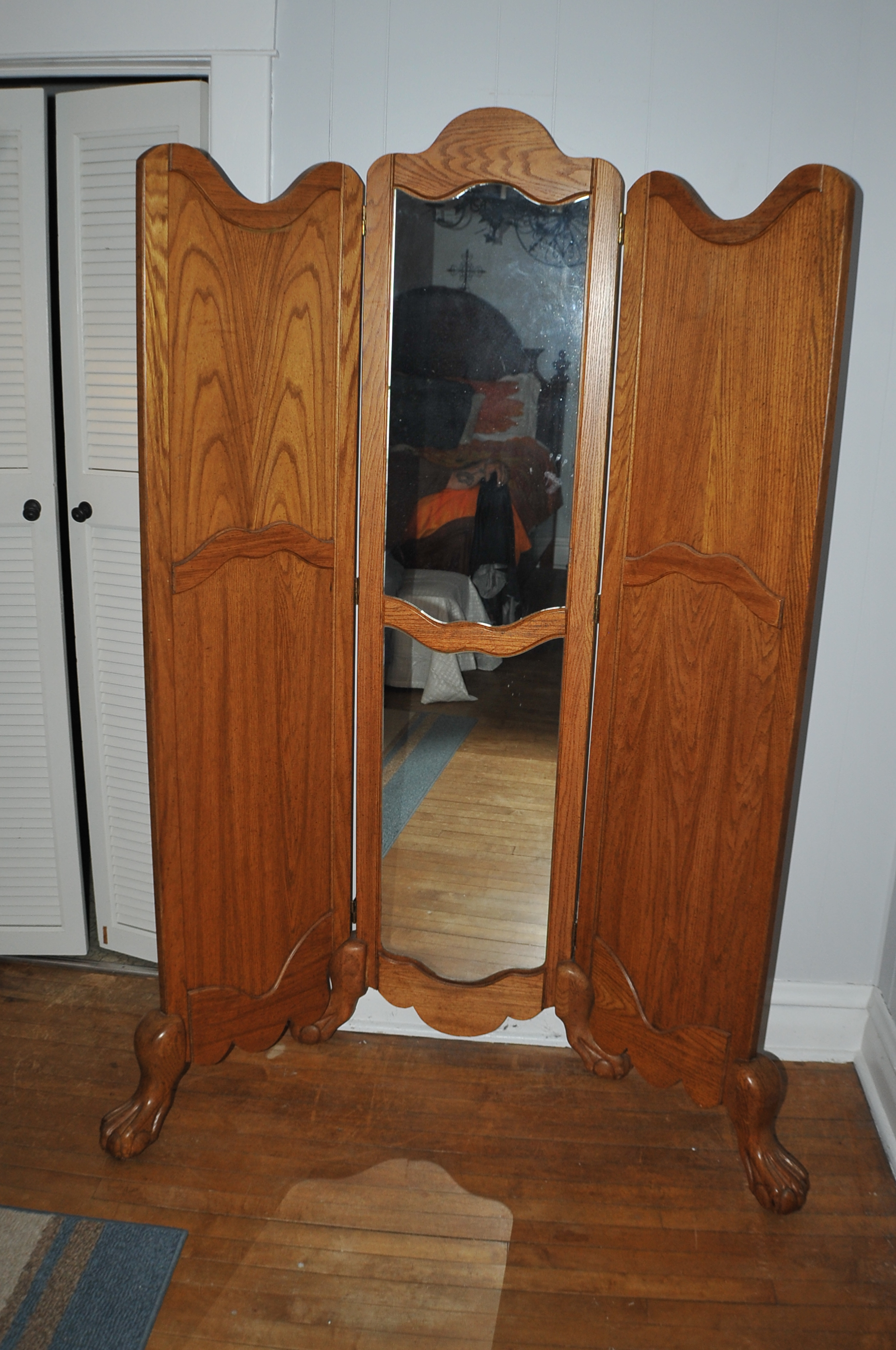 Solid wood Ball Claw Foot Dressing Mirror Tri Fold Room Divider Sale Waukegan