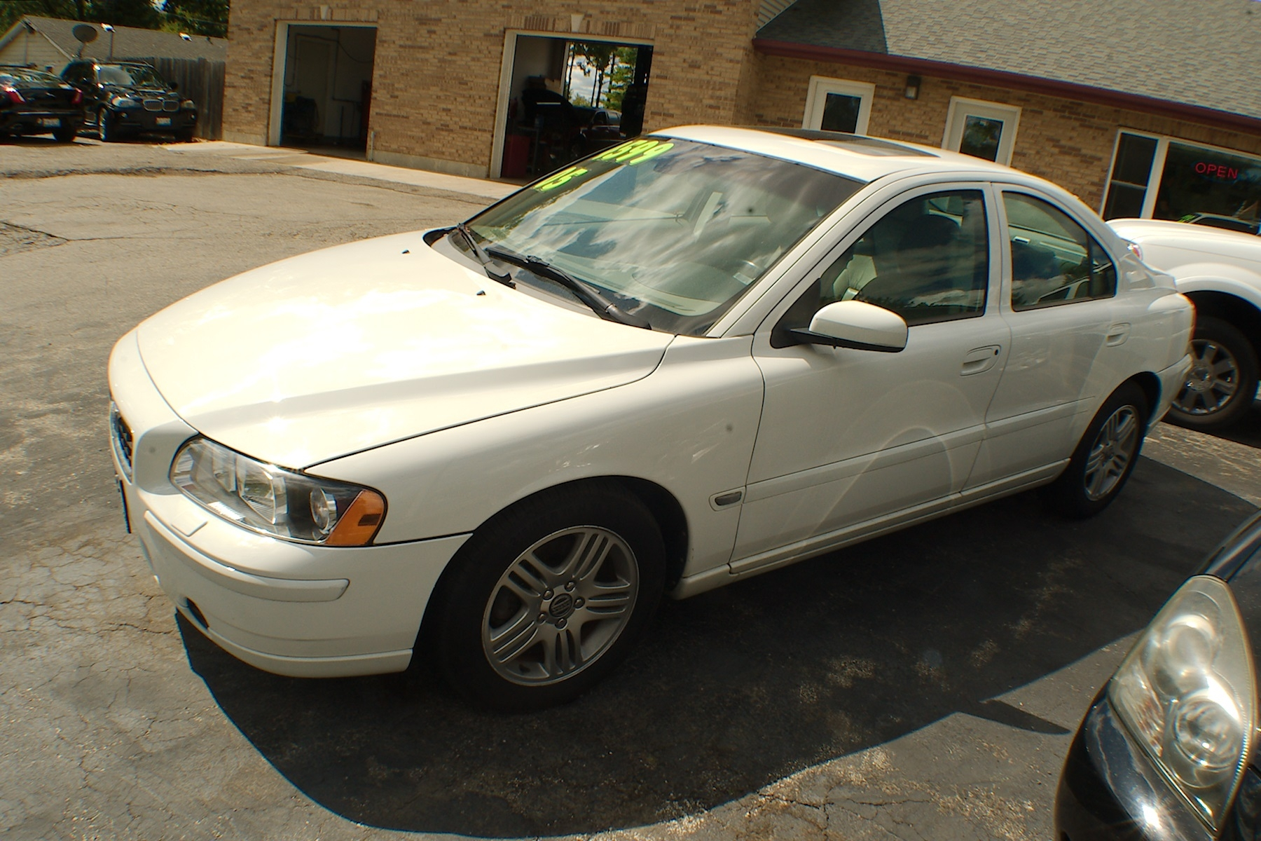 2005 Volvo S60 White Sedan Dodds Used Car Sale Antioch Zion Waukegan Lake County Illinois