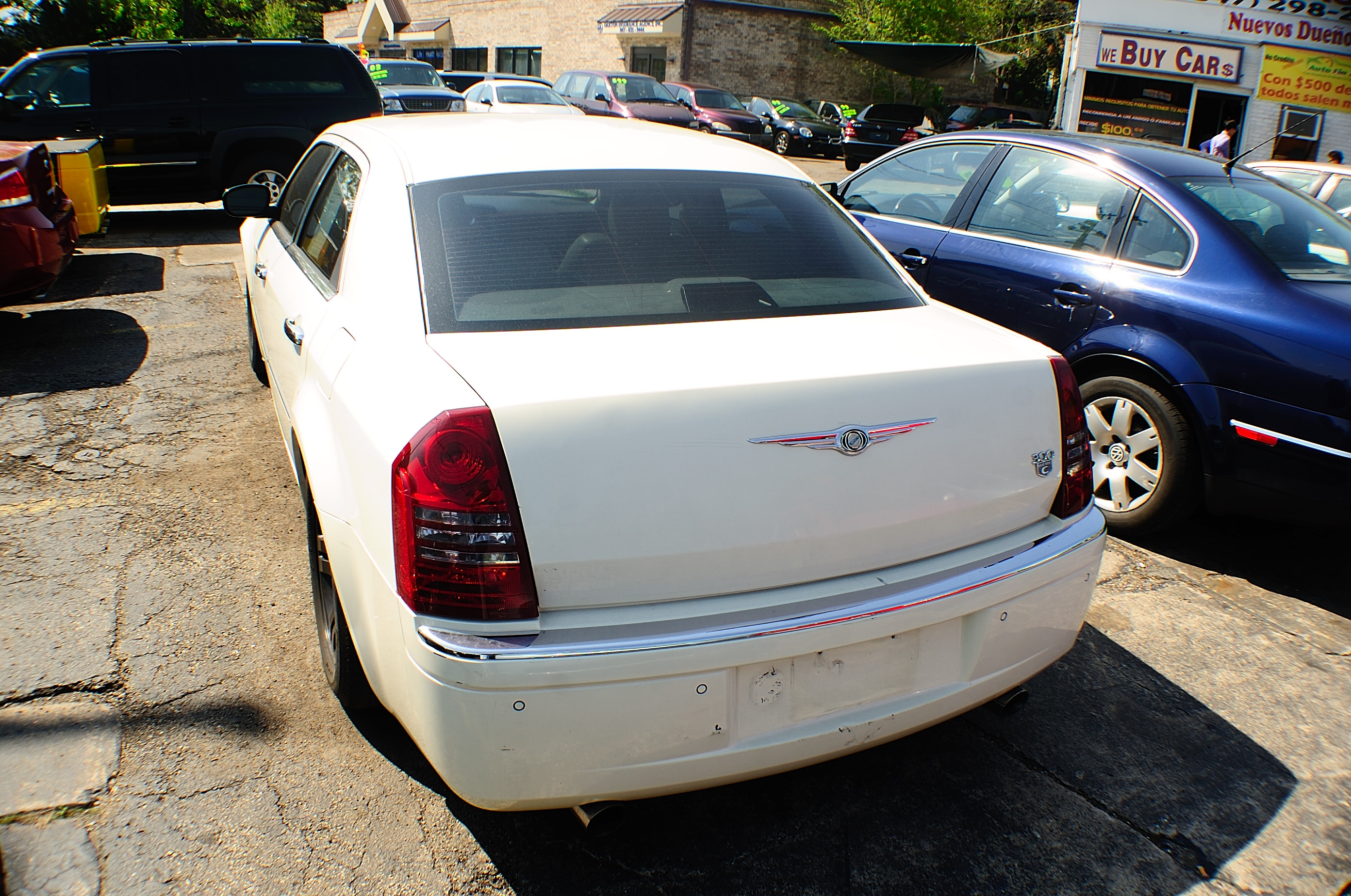 2005 Chrysler 300 White Navigation Used Sedan car sale Gurnee Hanover Park Hoffman Estates Lombard Merrillville