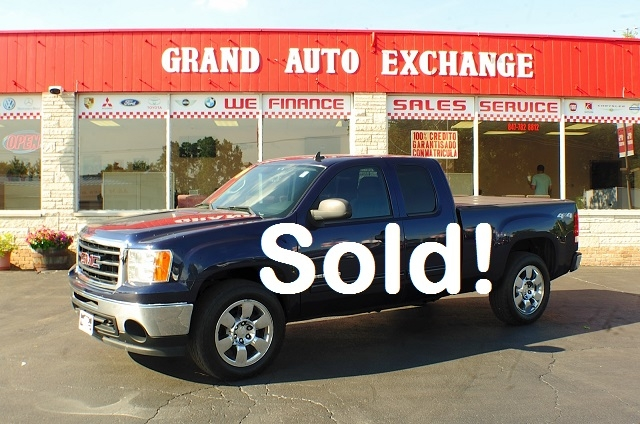 2009 GMC Sierra SLE Blue Used 4x4 Truck Sale Antioch Zion Waukegan Lake County Illinois