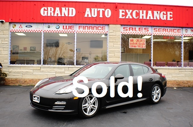 2011 Porsche Panamera Gray Sports Car used car sale Antioch Zion Waukegan Lake County Illinois