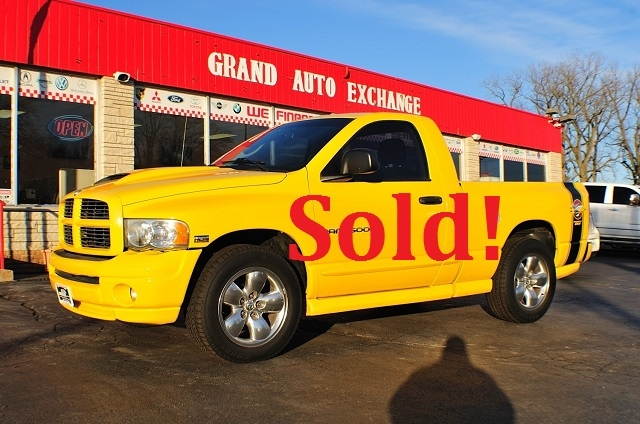 2005 Dodge Ram Yellow Rumble Bee used truck sale Antioch Zion Waukegan Lake County Illinois