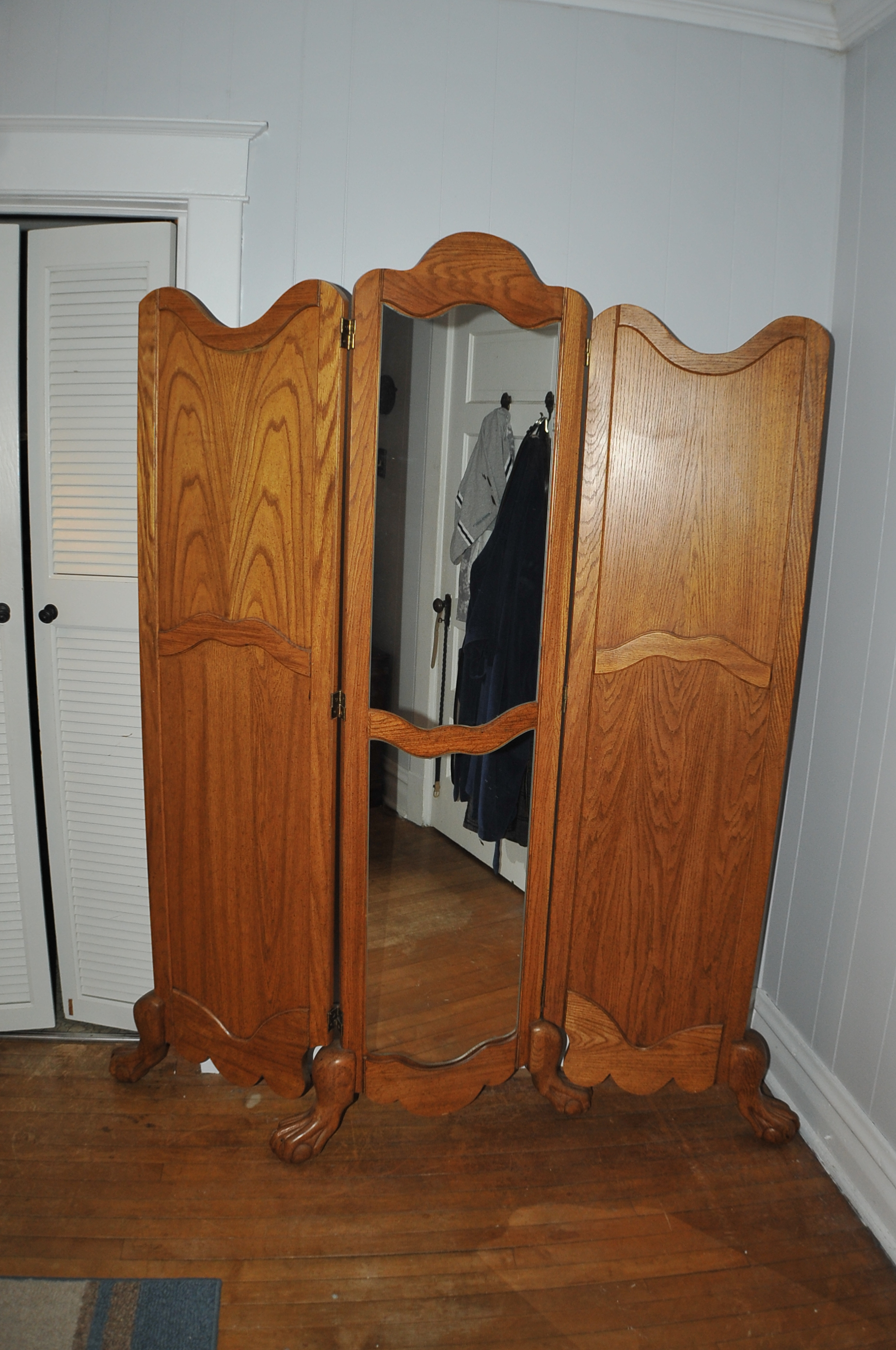 Solid wood Ball Claw Foot Dressing Mirror Tri Fold Room Divider Sale Kenosha