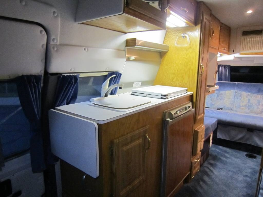 2001 Explorer Motor Homes 230XLW Dodge Used RV Sale Riverwoods Tower Lakes Vernon Hills