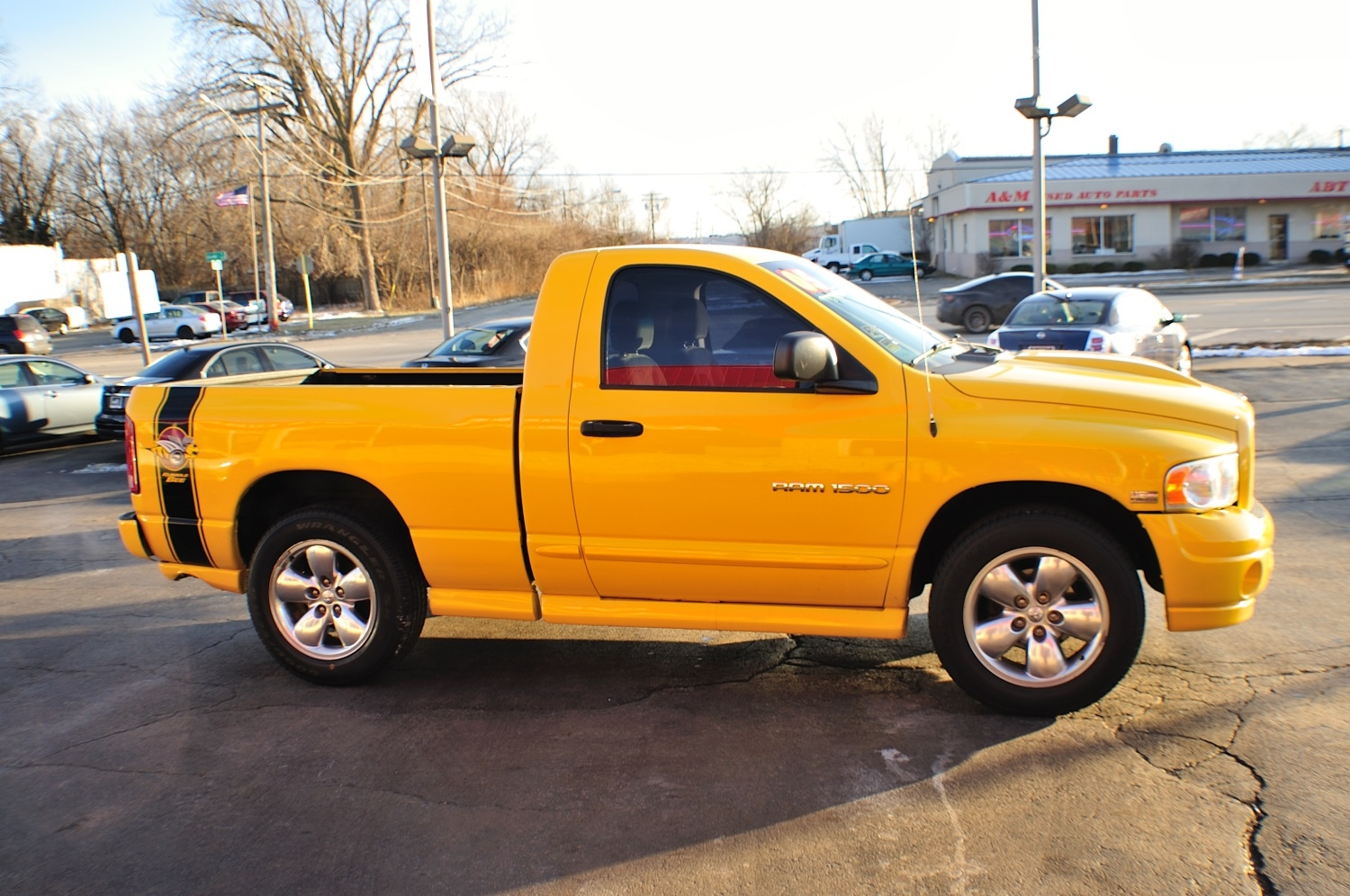 2005 Dodge Ram Yellow Rumble Bee used truck sale Bannockburn Barrington Beach Park