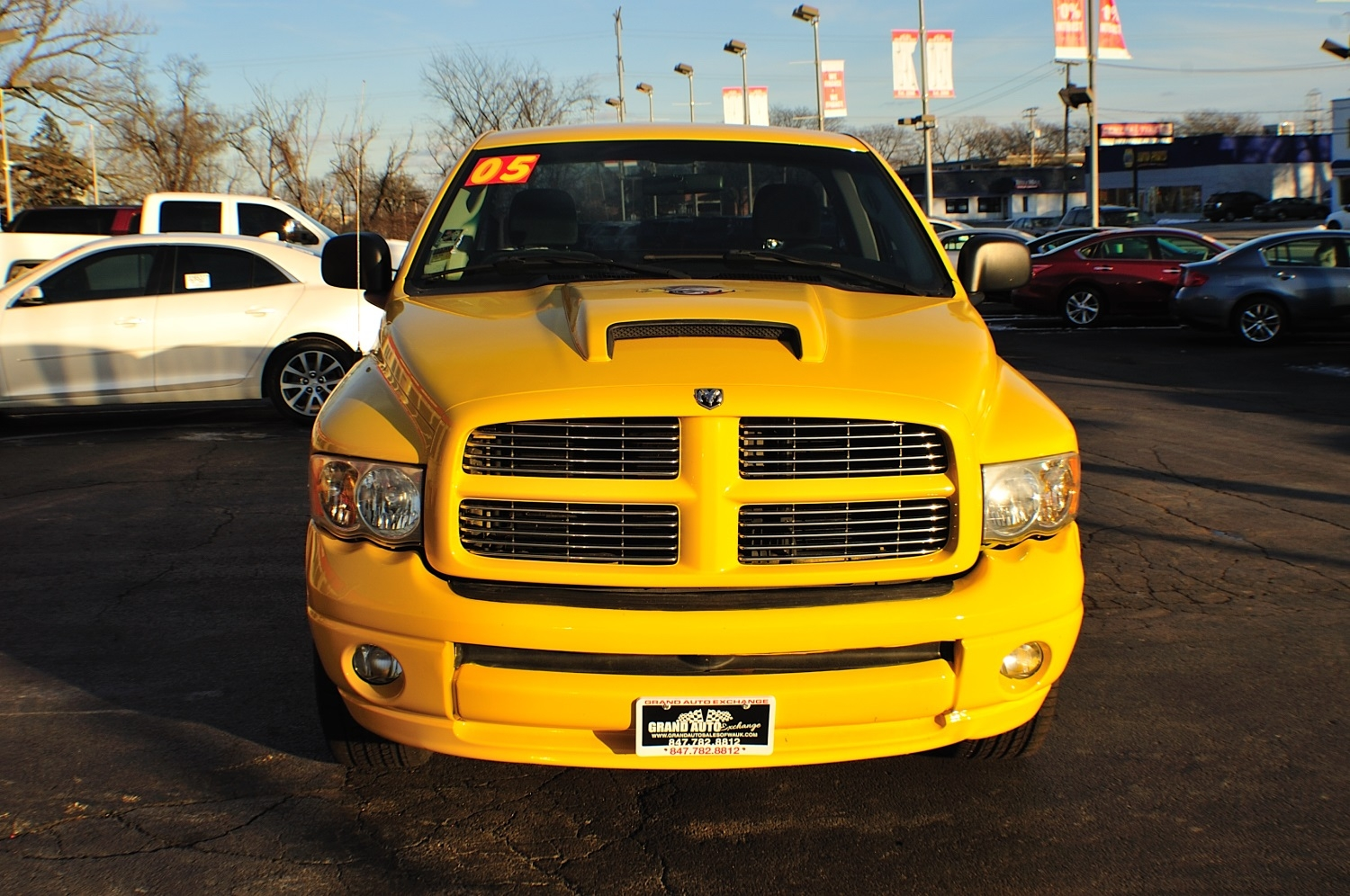 2005 Dodge Ram Yellow Rumble Bee used truck sale Gurnee Kenosha Mchenry Chicago Illinois