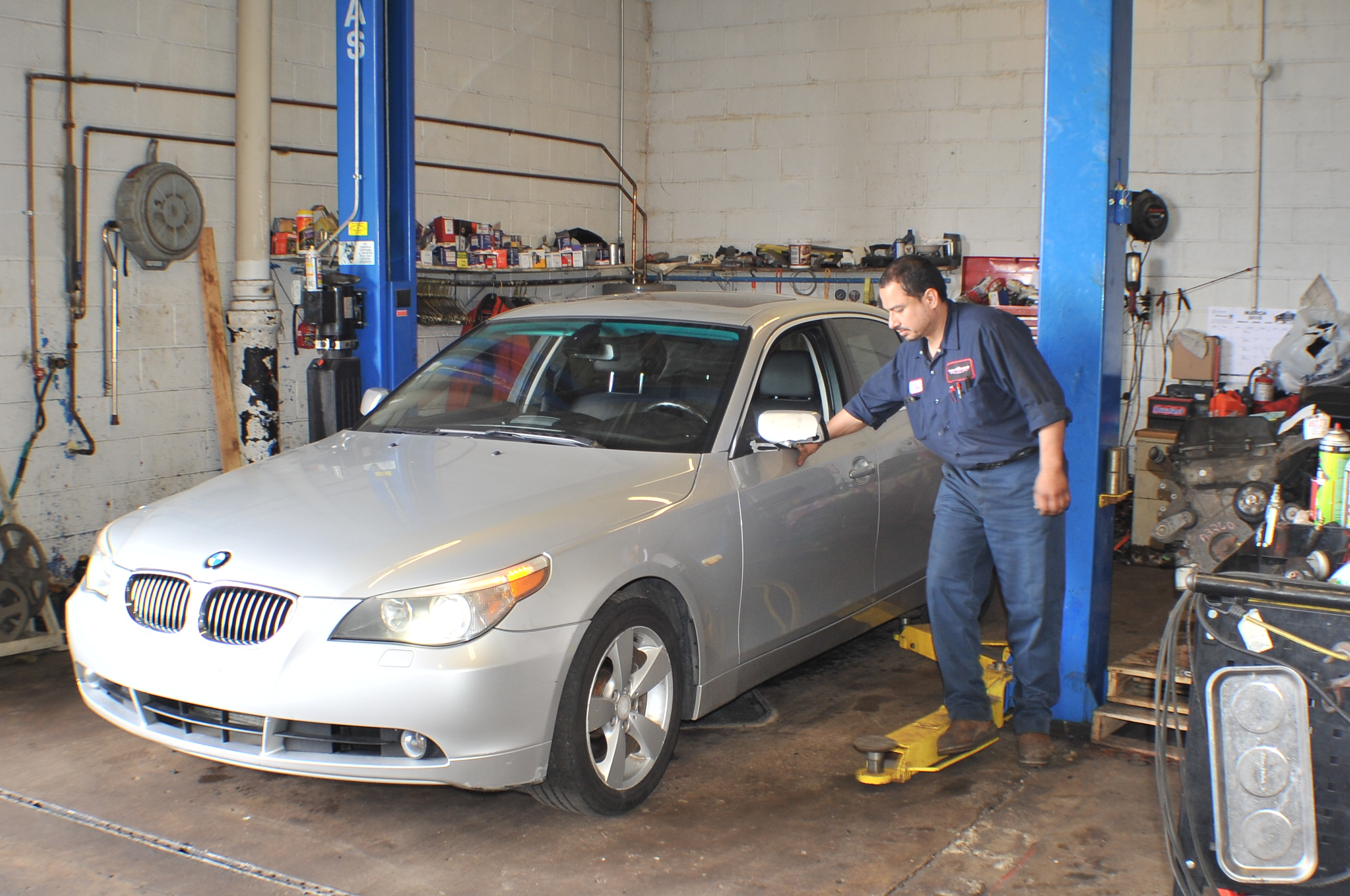 Washington Auto Group Best Body Shop Used car truck dealership Waukegan