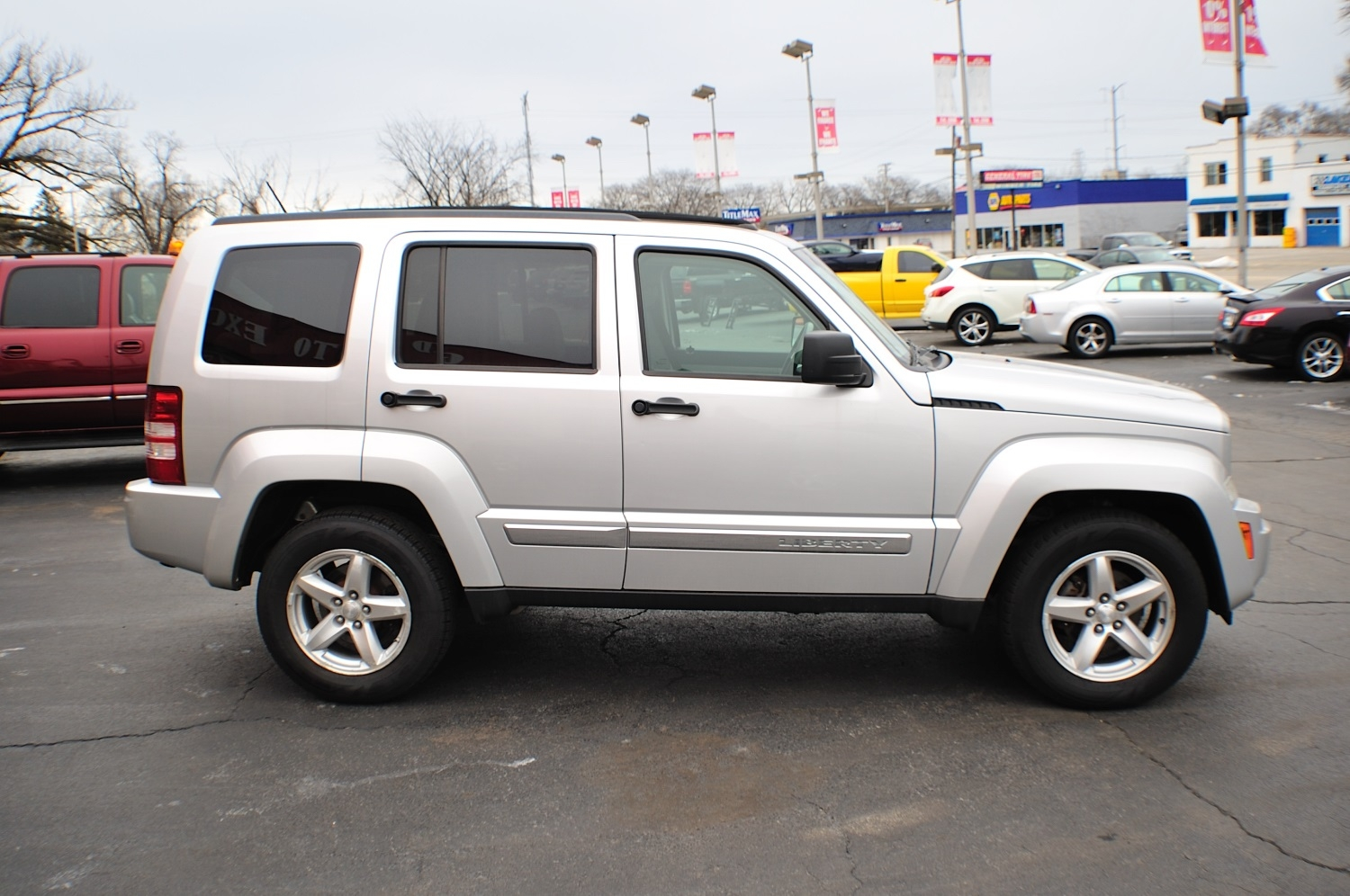 2008 Jeep Liberty Silver 4x4 Used car SUV Sale Bannockburn Barrington Beach Park