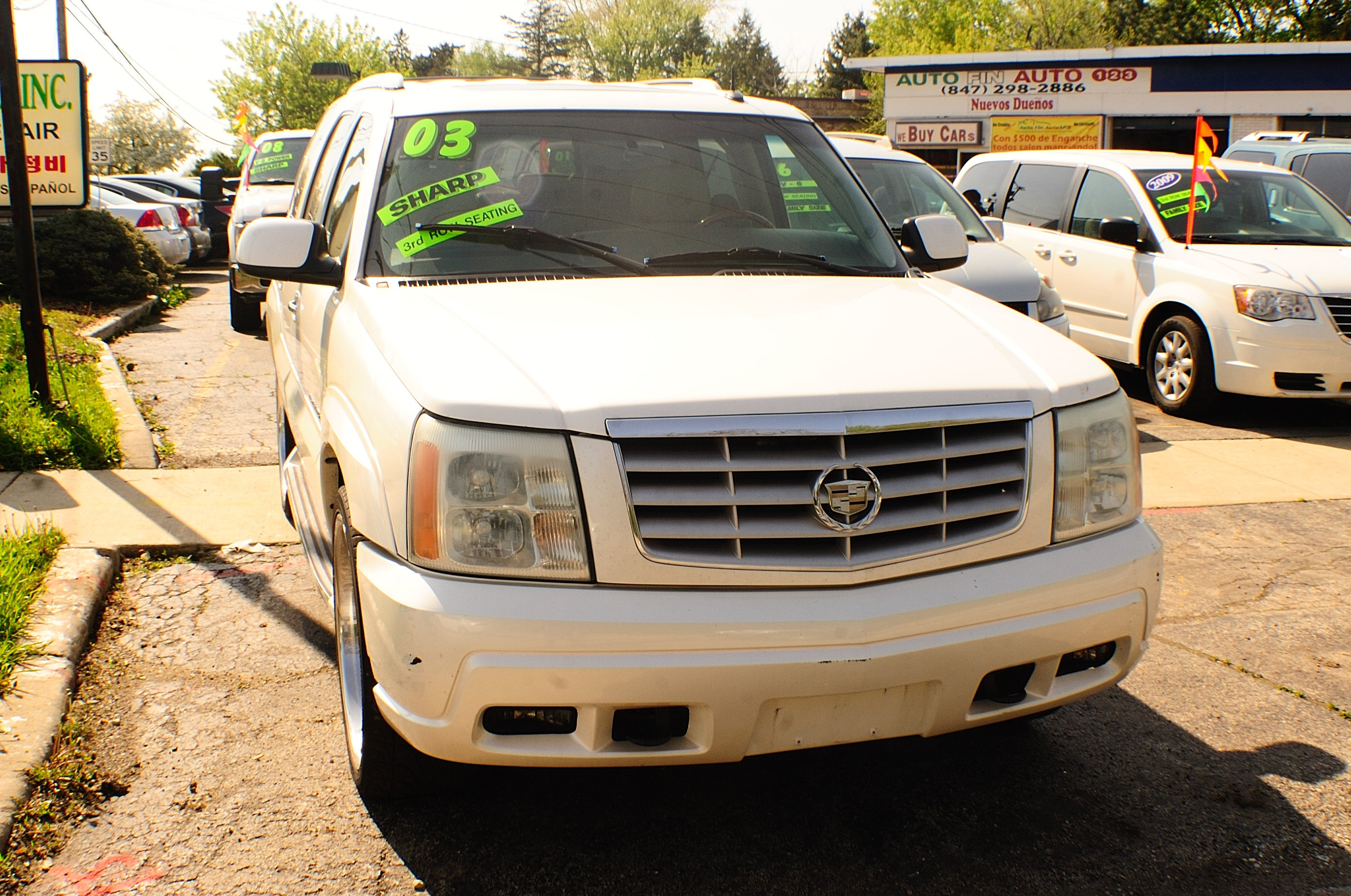 2003 Cadillac Escalade White TV Used SUV car sale Buffalo Grove Bollingbrook Carol Stream