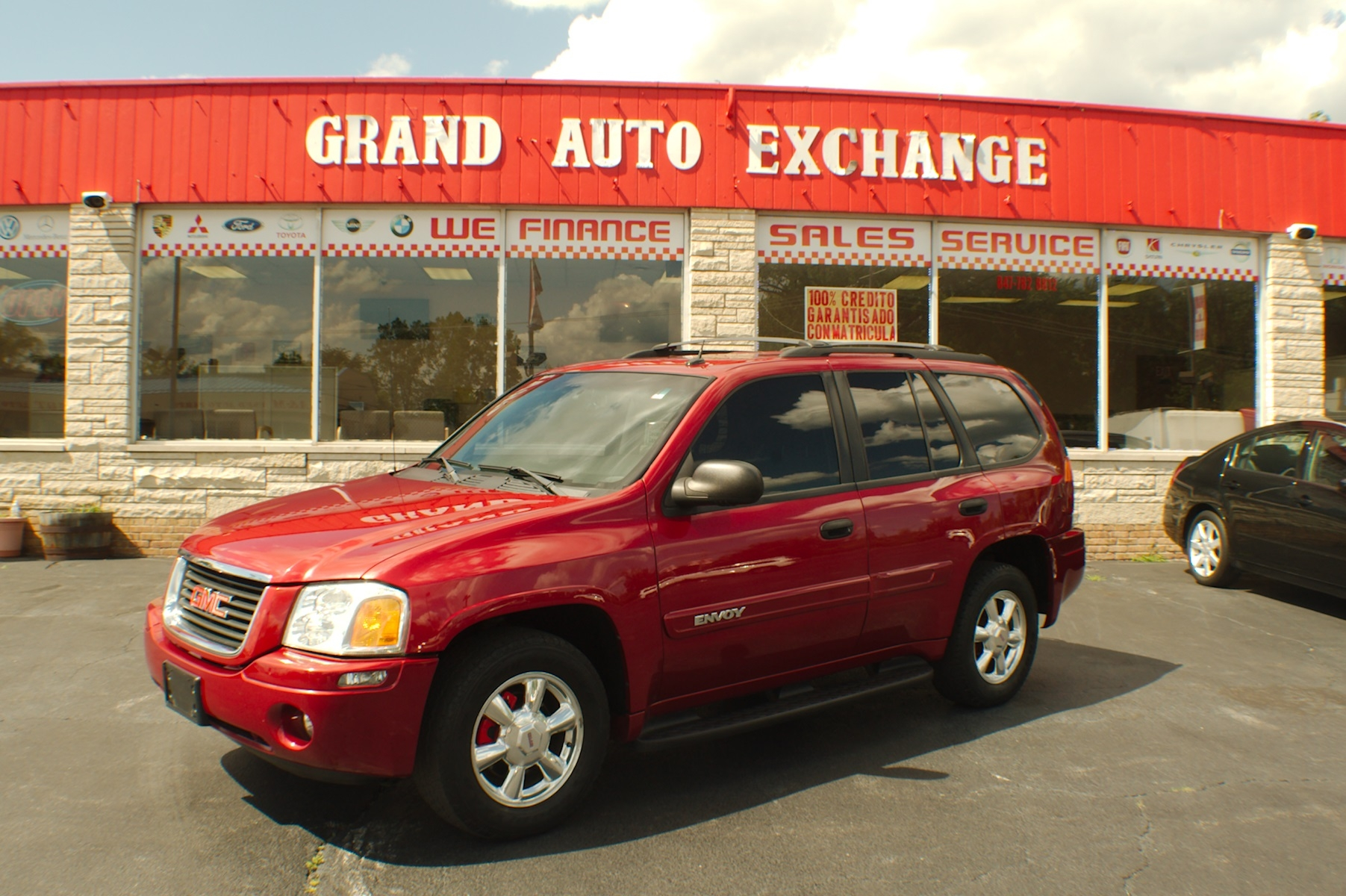 2005 GMC Envoy Red 4x4 Sport SUV Used Car Sale Antioch Zion Waukegan Lake County Illinois