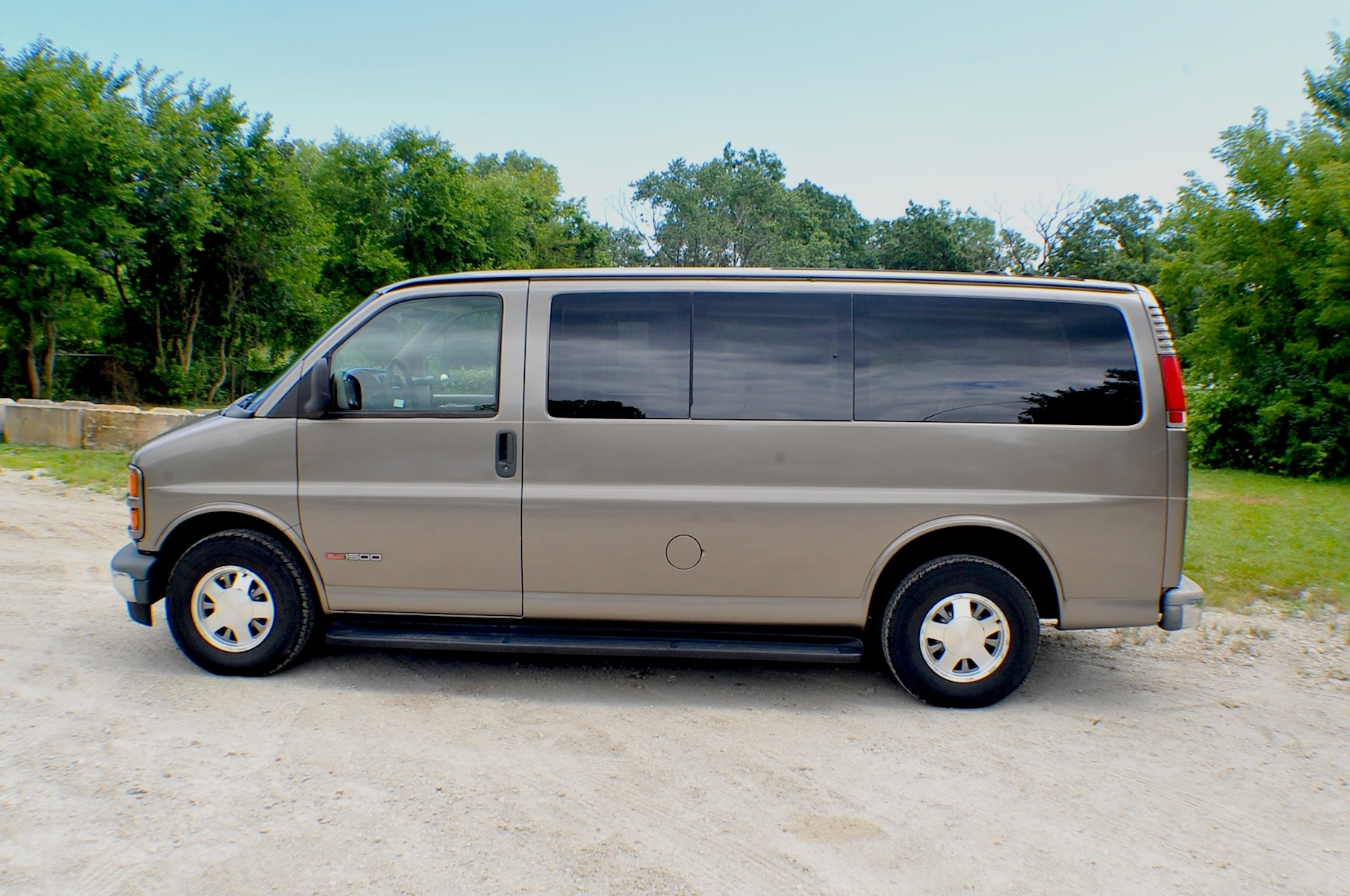 2000 GMC Savana Pewter 1500 Conversion Van Sale Bannockburn Barrington Beach Park