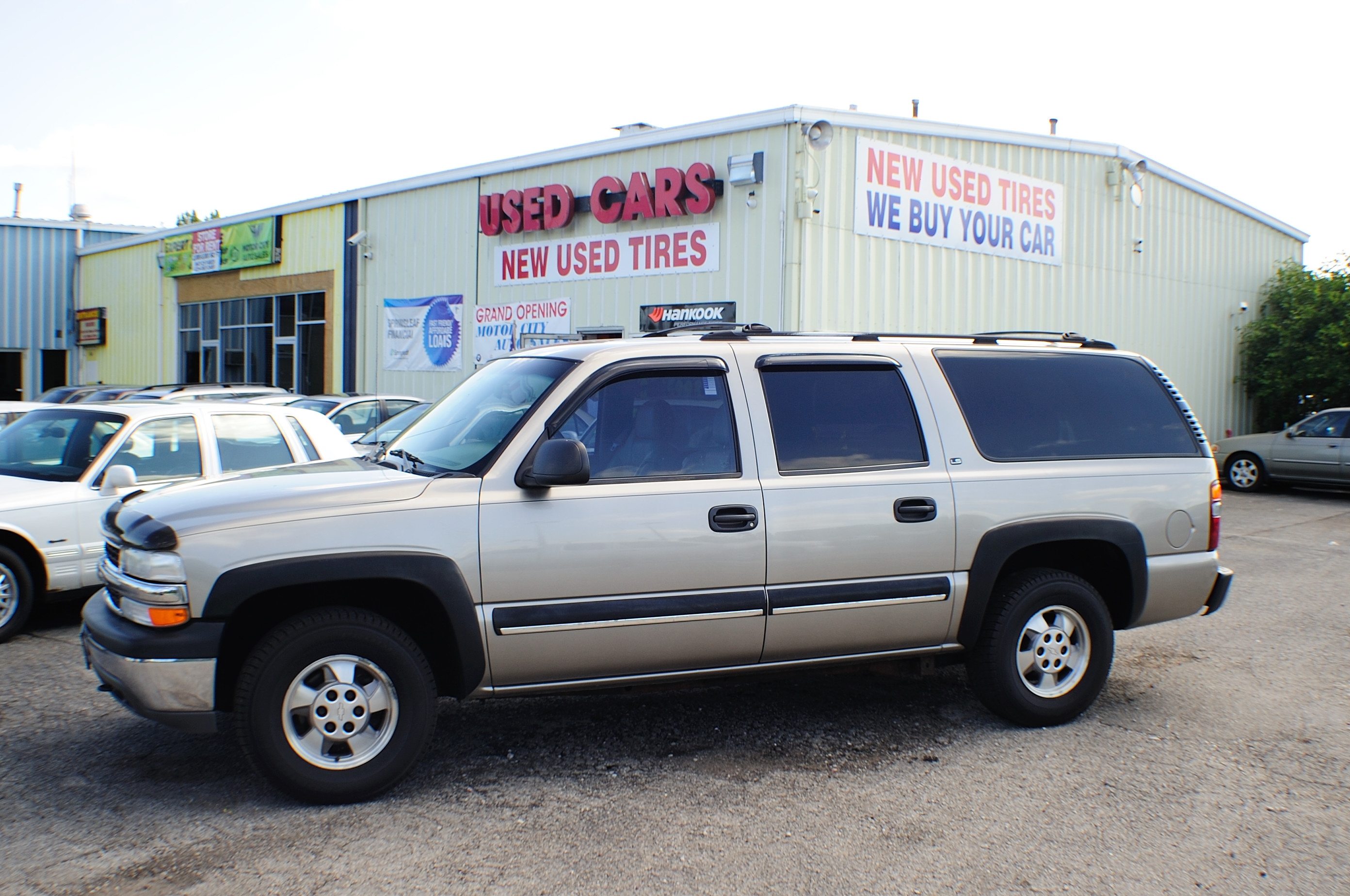 2001 Chevrolet Suburban LS Pewter 4x4 Tow SUV Used Car Sale Antioch Grayslake