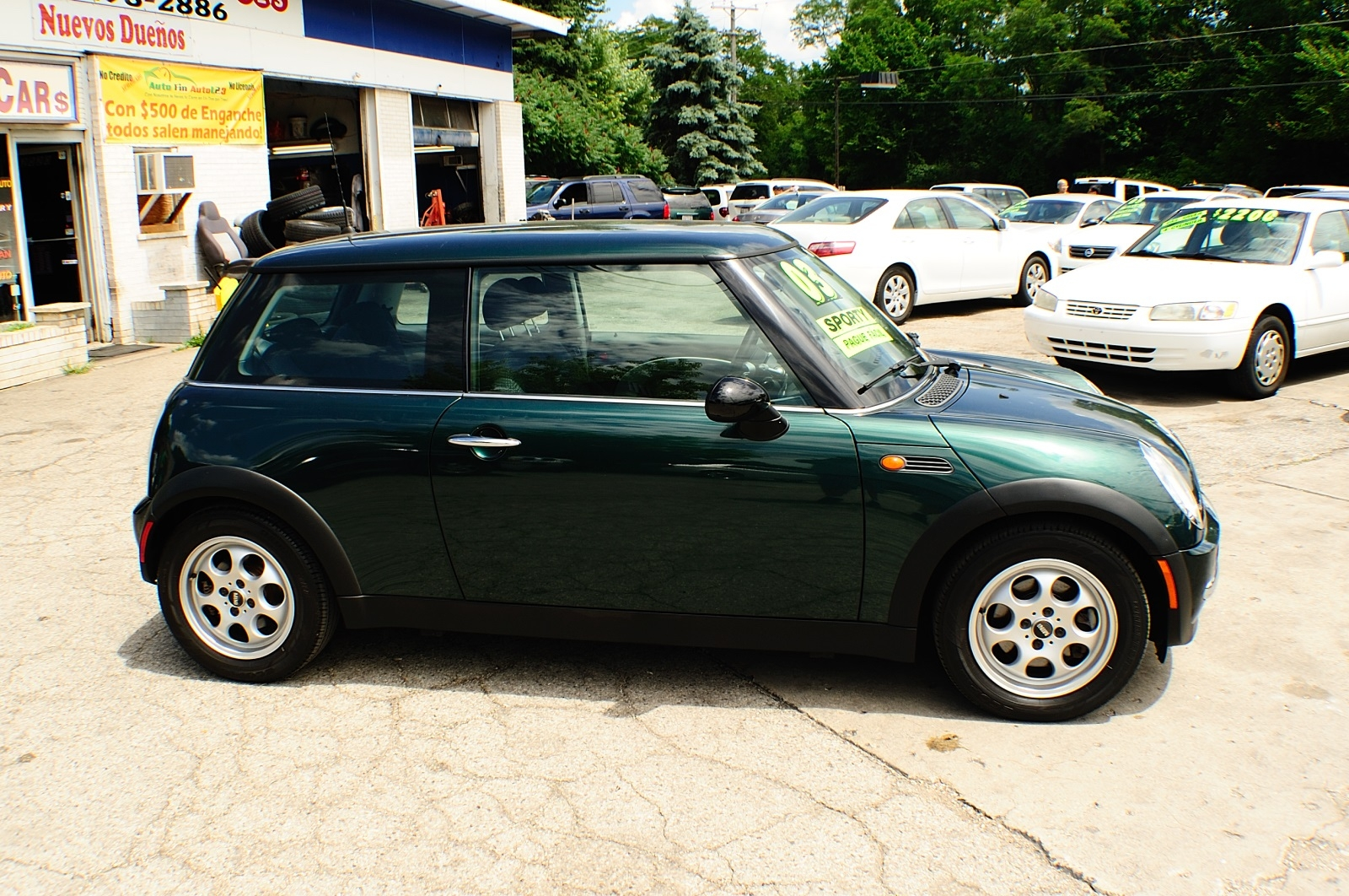 2003 Mini Cooper Green Used Sport Coupe used car sale Addison Algonquin Arlington Heights Bartlett