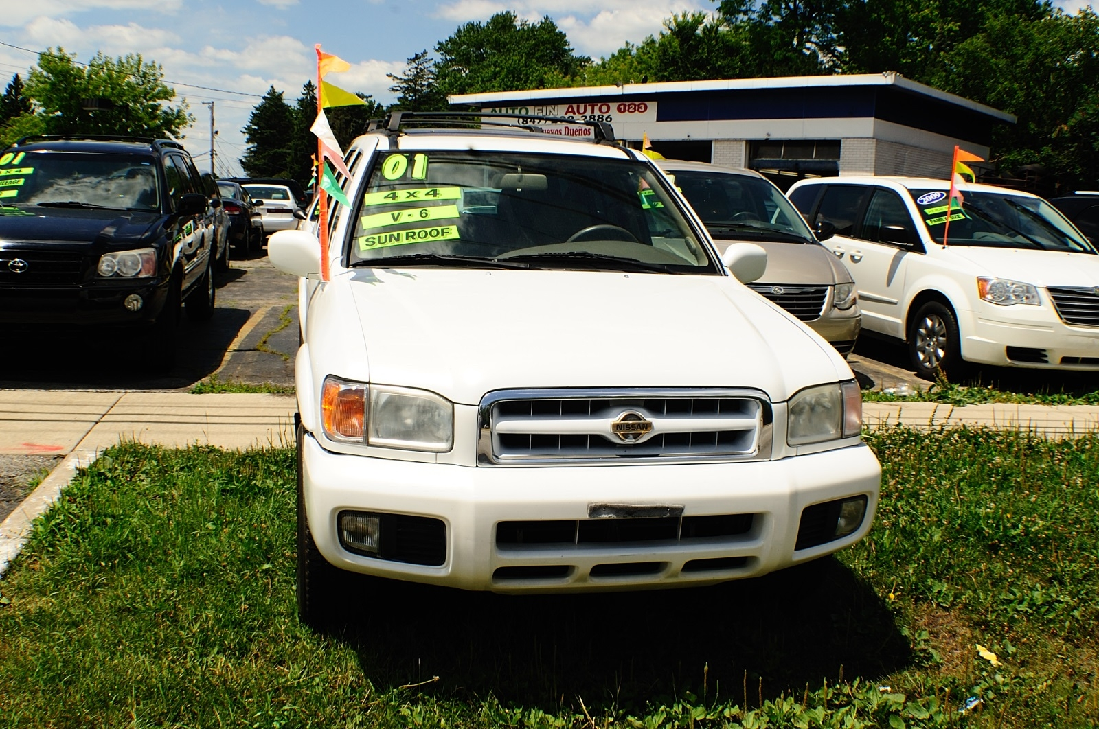 2001 Nissan Pathfinder White Used 4x4 SUV Sale Buffalo Grove Bollingbrook Carol Stream Illinois