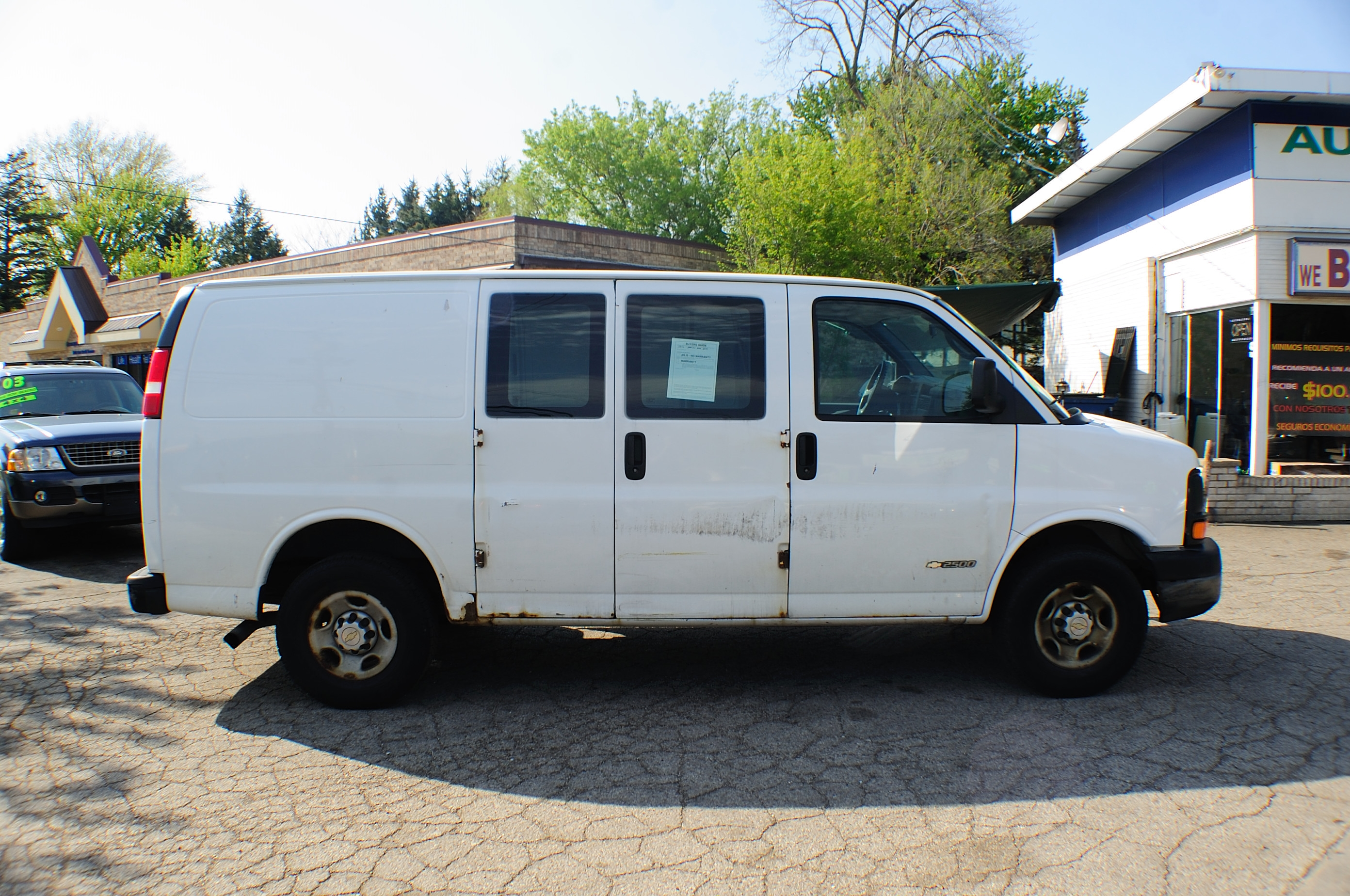 2006 chevrolet express 2500 white used work van. Black Bedroom Furniture Sets. Home Design Ideas