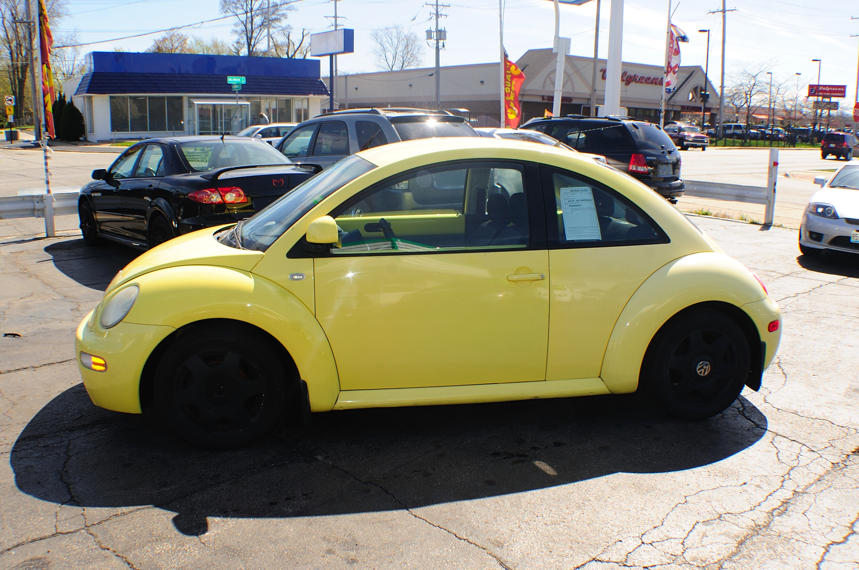1999 Volkswagen Beetle Yellow Manual used car sale Gurnee Kenosha Mchenry