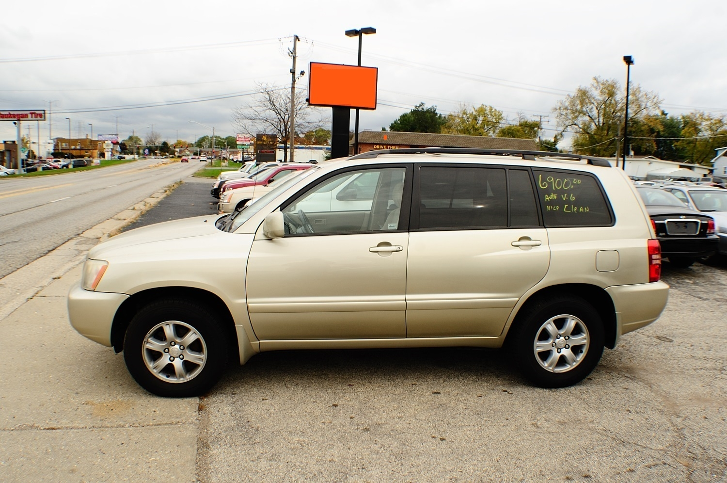 2003 Toyota Highlander Sand 4x4 Used car SUV sale Antioch Zion Waukegan Lake County Illinois