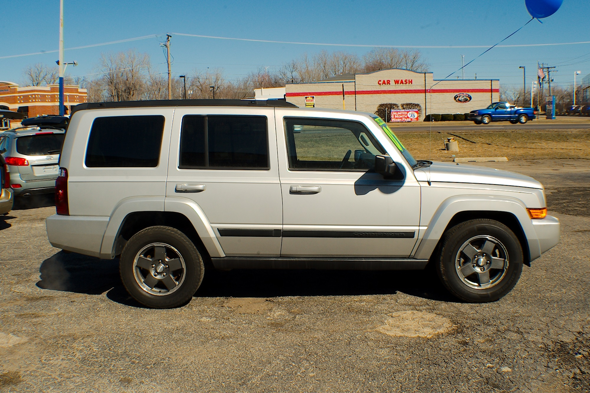 2007 Jeep Commander 4x4 Silver Flex fuel SUV Sale Buffalo Grove Deerfield Fox Lake Antioch