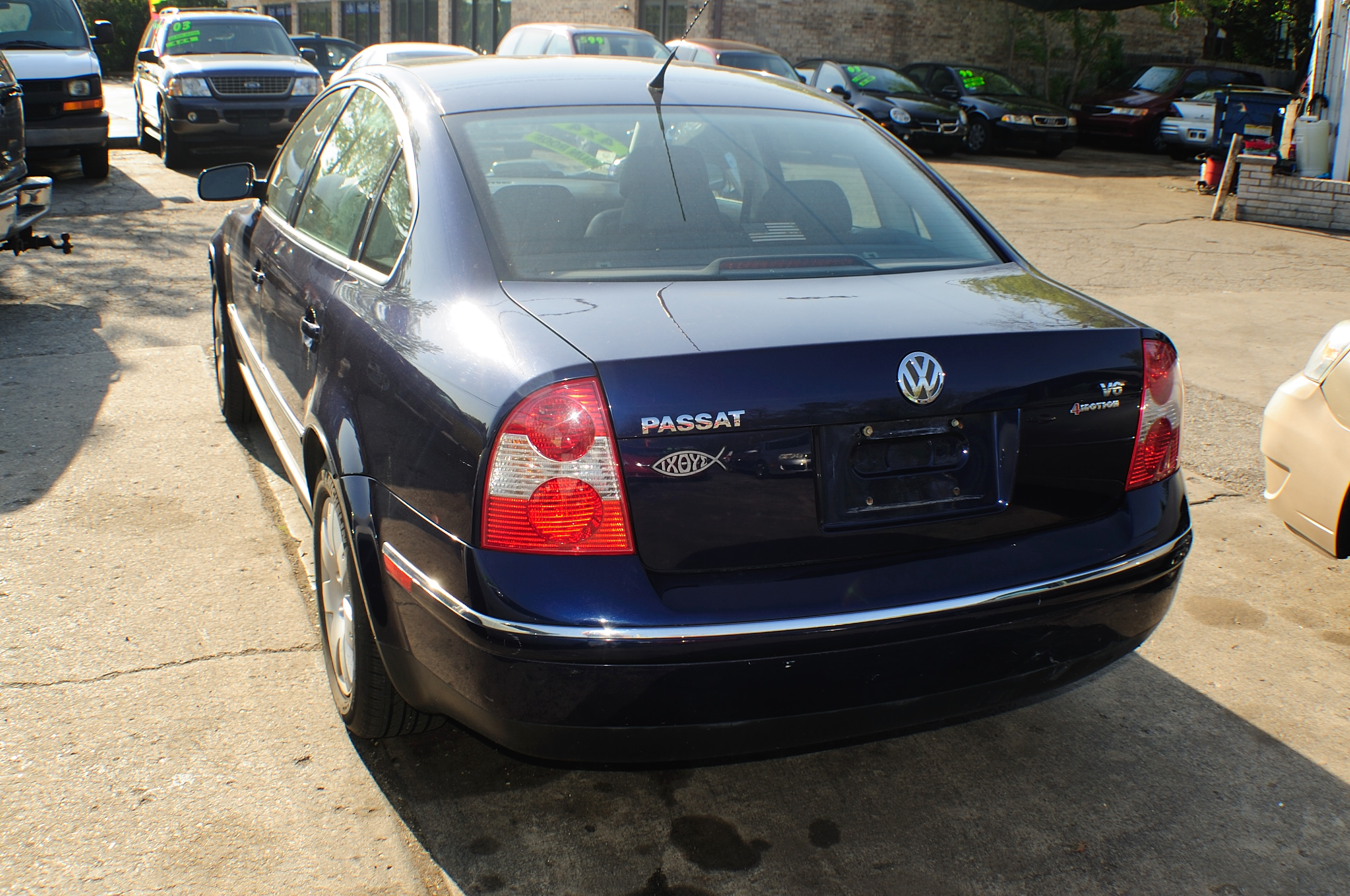 2001 Volkswagen Passat Blue Used Sedan car sale Gurnee Hanover Park Hoffman Estates Lombard