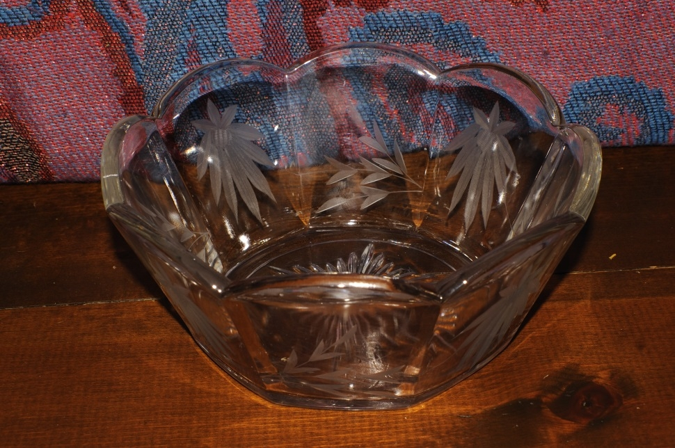 Glass Crystal Decorative Etched Flower Fruit Serving Bowl kitchen container