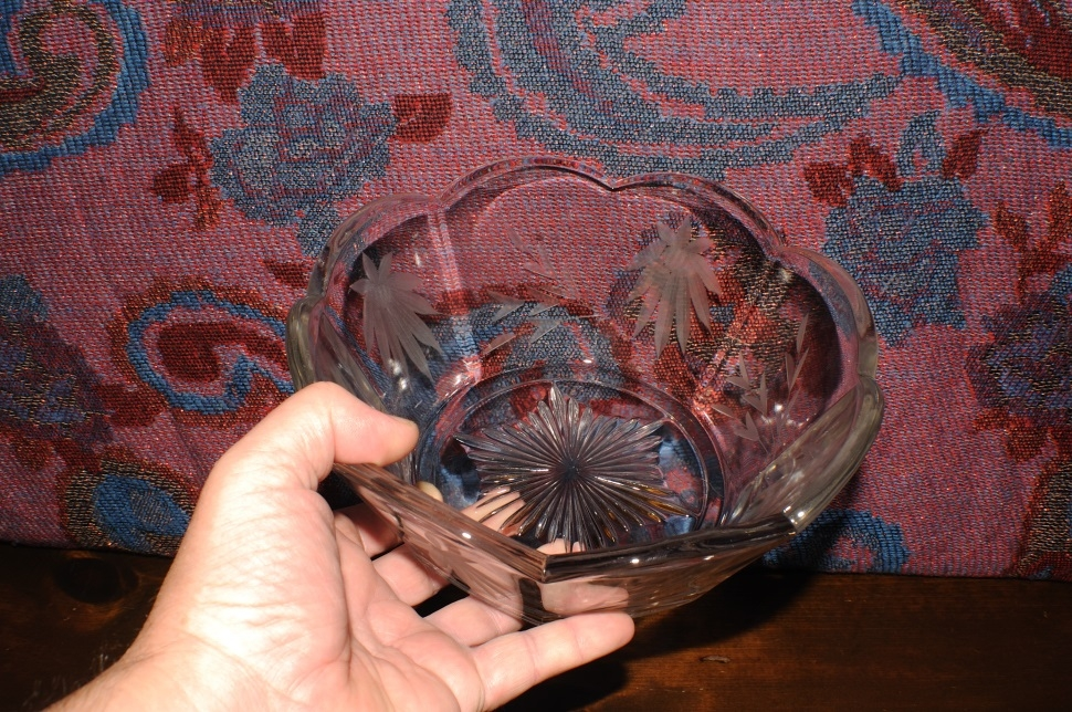 Glass Crystal Decorative Etched Flower Fruit Serving Bowl best price