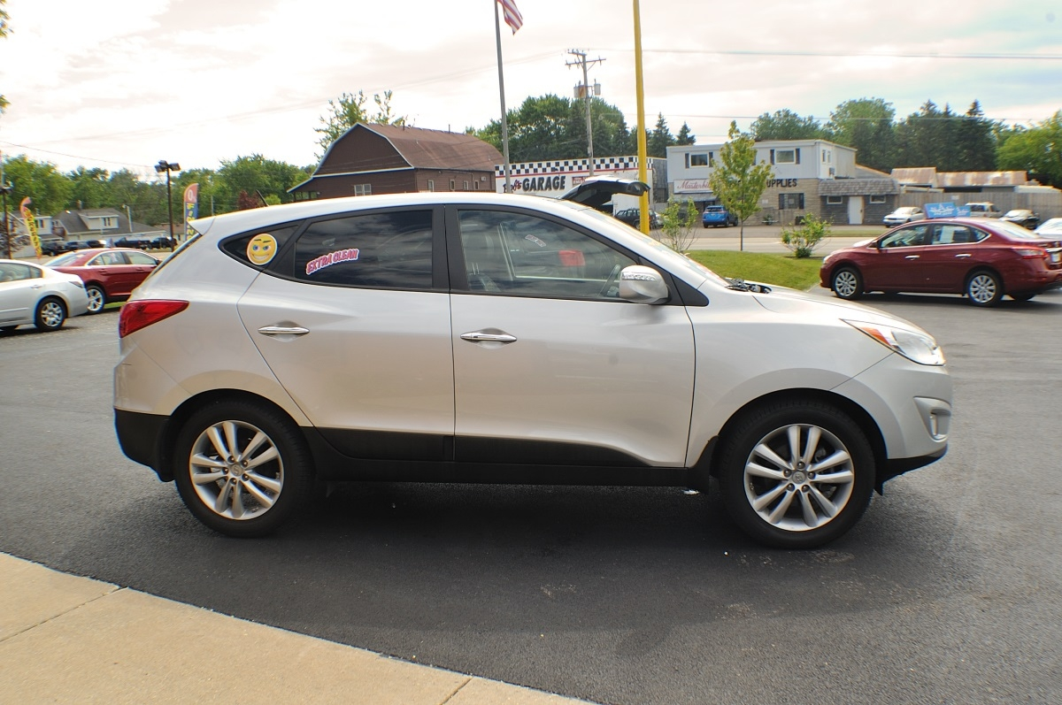 2013 Hyundai Tucson Limited Silver used SUV Sale Bannockburn Barrington Beach Park