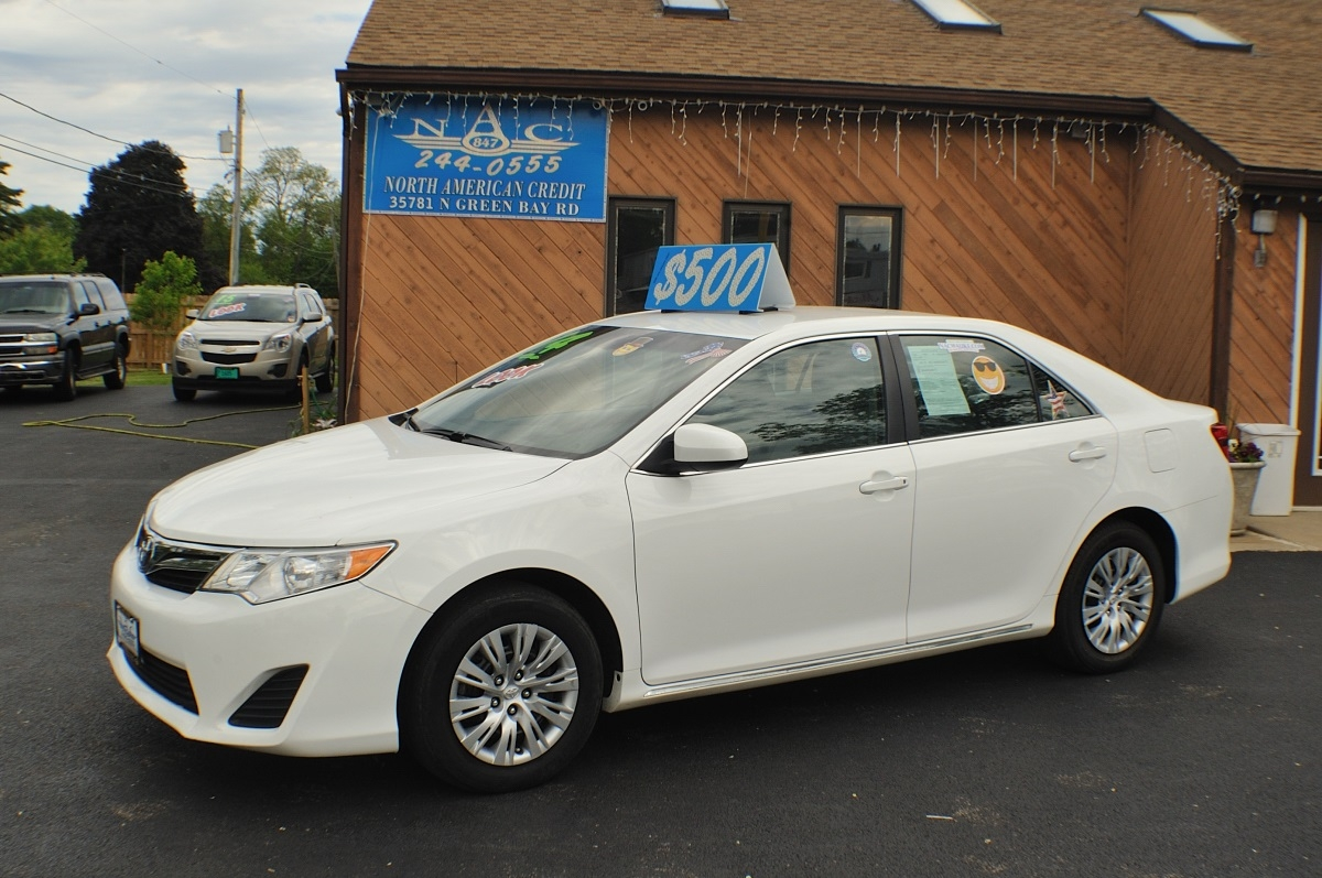 2014 Toyota Camry LE White Used Sedan Sale Antioch Zion Waukegan Lake County Illinois