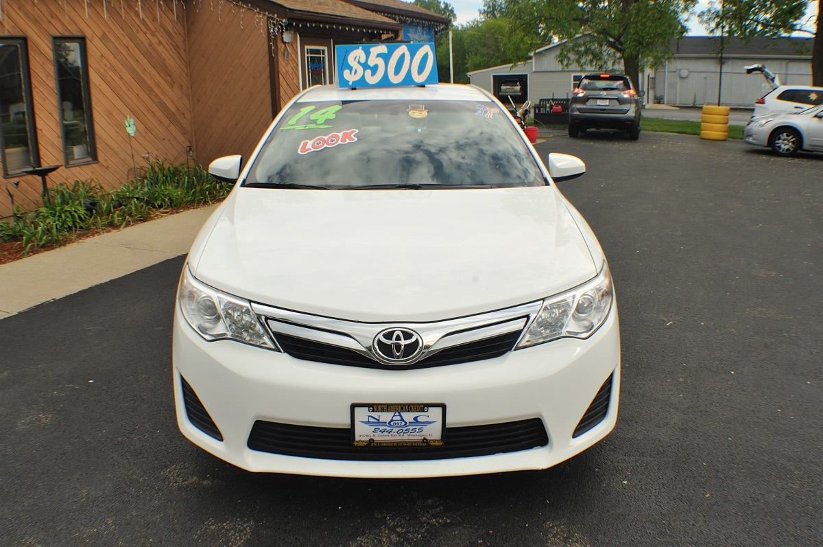 2014 Toyota Camry LE White Used Sedan Sale Gurnee Kenosha Mchenry Chicago Illinois