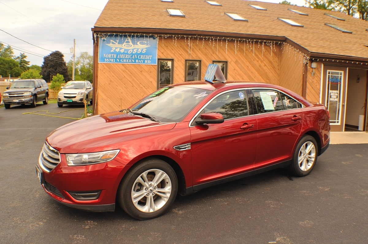 2015 Ford Taurus SEL Red AWD Used Sedan sale Antioch Zion Waukegan Lake County Illinois