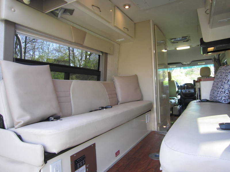 2005 Gulf Stream Coach Vista Cruiser MB Edition Diesel used RV sale Riverwoods Tower Lakes Vernon Hills