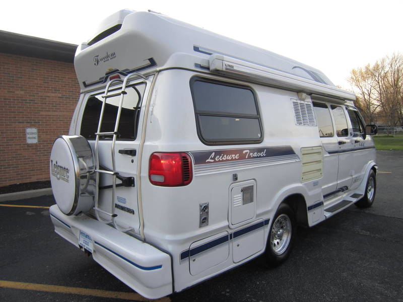 1996 Leisure Travel Freedom ll Wide Body Dodge used RV Sale Highland Park Kildeer Winthrop Harbor