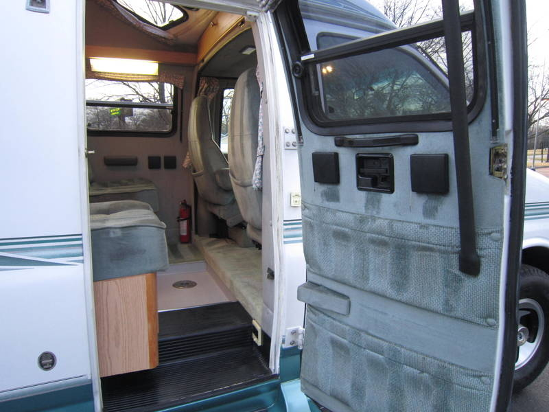 1997 Roadtrek Versatile 200 Wide Body Chevy used Motor Home RV Bannockburn Barrington Beach Park