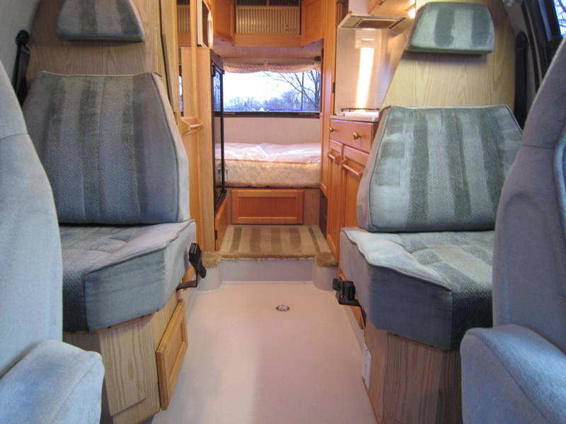 1997 Roadtrek Versatile 200 Wide Body Chevy used Motor Home RV Highland Park Kildeer Winthrop Harbor