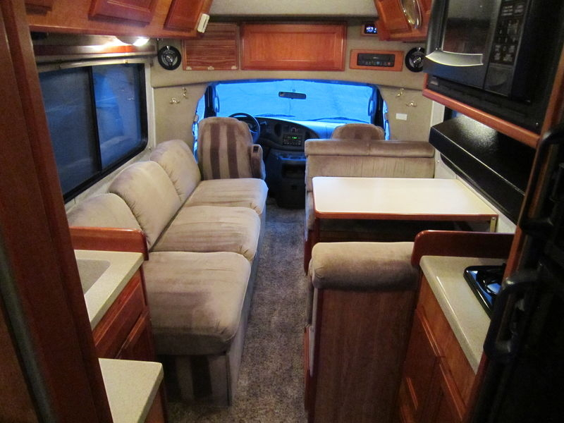 2005 Chinook Premier 2100 Class B Used RV Sale Indiana Wisconsin Iowa